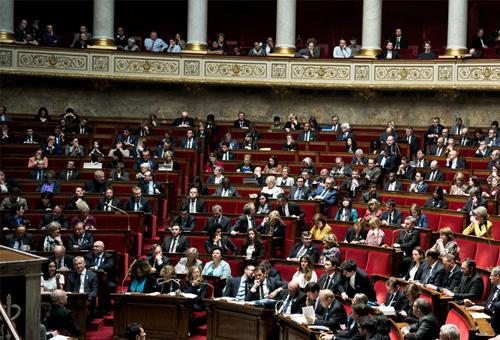 Emplois familiaux des parlementaires